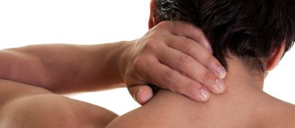 Douleurs-cervicales-homme